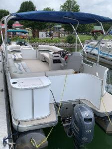 P5 Deckboat