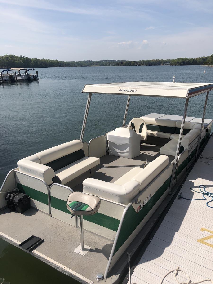 P9 – Playbuoy Pontoon – SML Boat Rentals